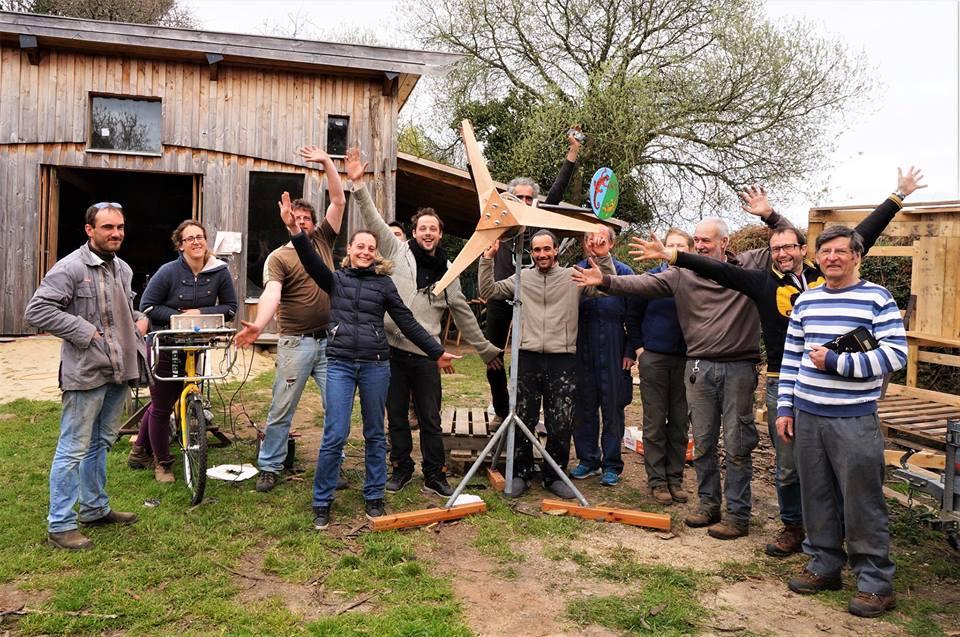Pleumeur-Bodou (22), Stage auto-construction d'une éolienne piggot