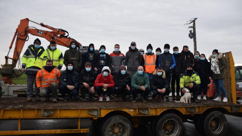 Quand joueurs et bénévoles du Football Club de la Côte des Légendes se transforment en héros du recyclage