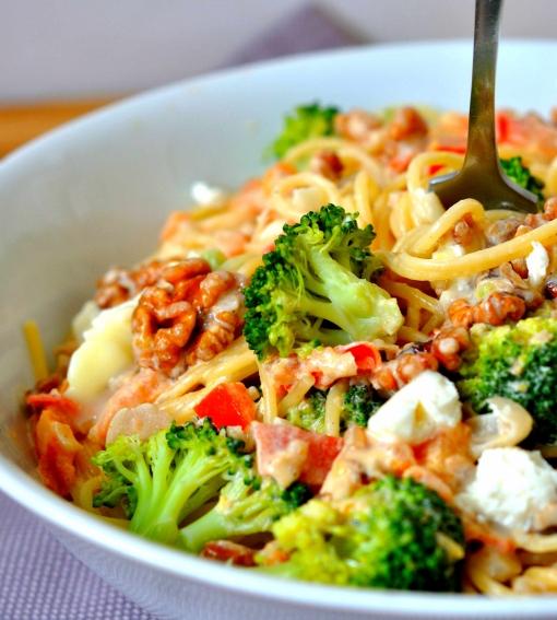 La recette. Spaghettis aux brocolis et aux noix