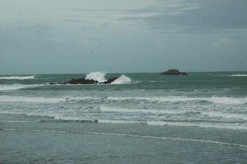 La mer déchainée à Primel-Trégastel (29)