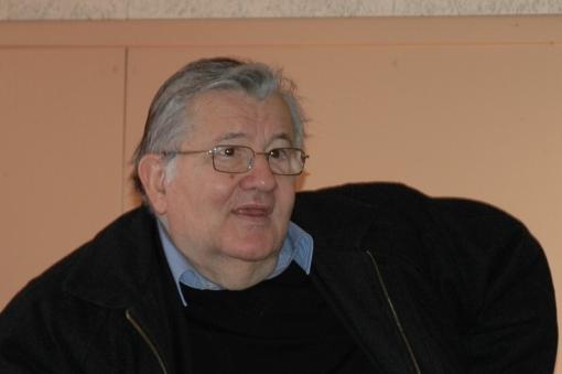 Dialogue entre Jean-Marie Pelt et Jean-Claude Pierre en vidéo.