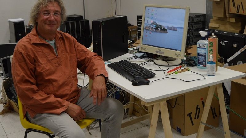 A Morlaix, Goupil lutte contre la fracture numérique